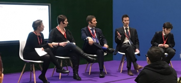 Nic (centre) at Bett 2017 / Credit: nicfordteacher.wordpress.com.