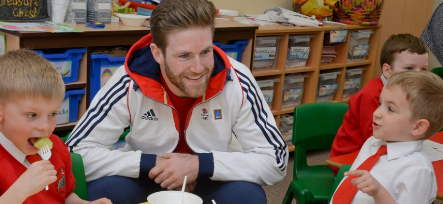 Olympians help pupils to eat fresh with Get Set